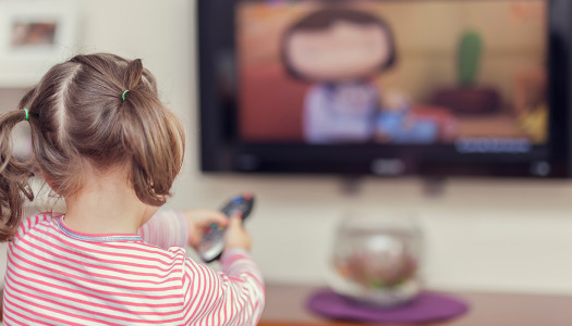 Czy pozwalać dziecku grać w gry i oglądać telewizję?