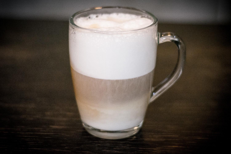 Mary pije głównie cappuccino...